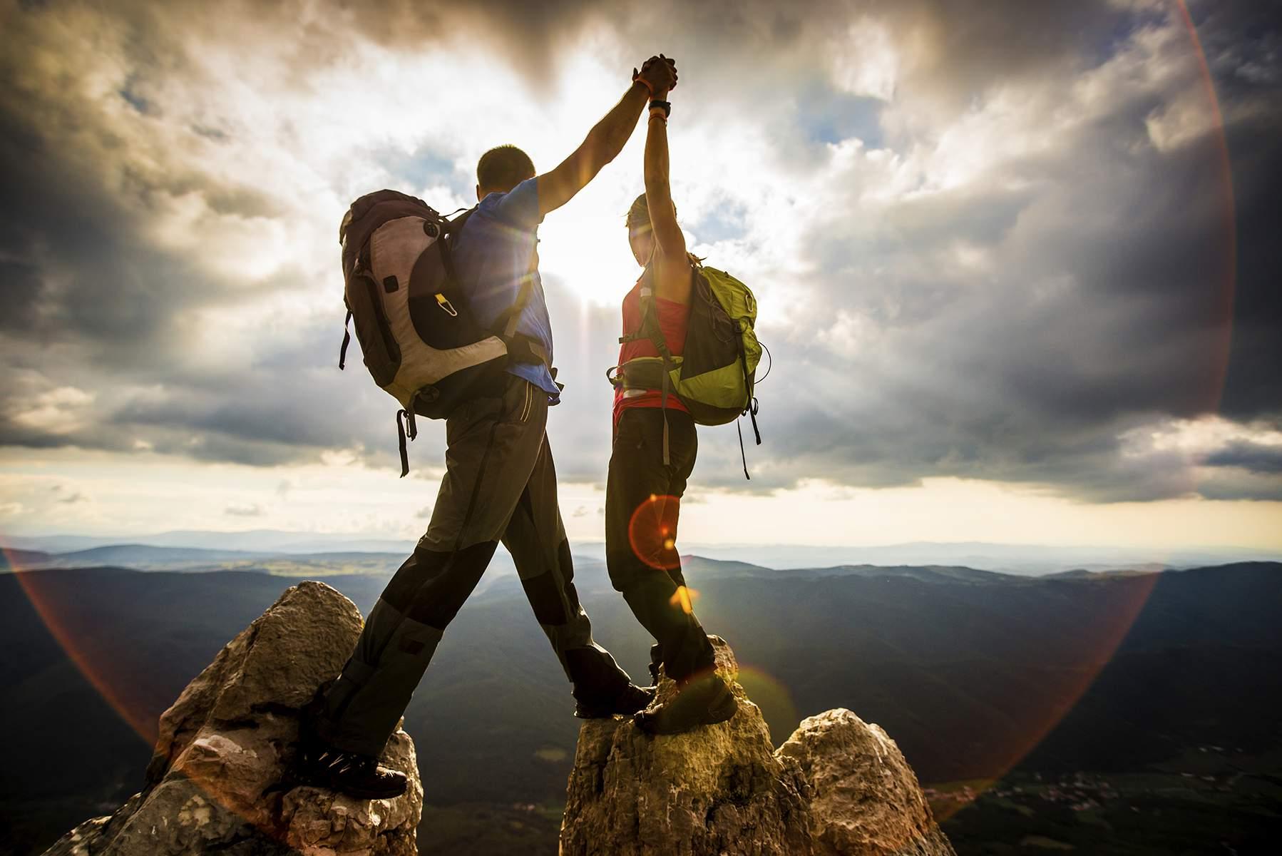 Rugged_ClimbingTeam1200px_000050369436